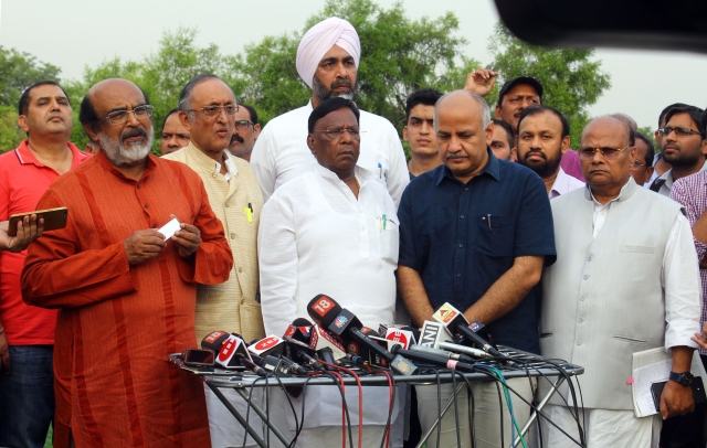 Finance Ministers of different opposition ruled states  addressing the media after calling on the  President  with their grievances about the terms of the 15th Finance Commission at  Vijay Chowk in New Delhi.