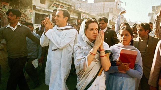 Former Prime Minister of India, late Rajiv Gandhi with UPA chairperson Sonia Gandhi