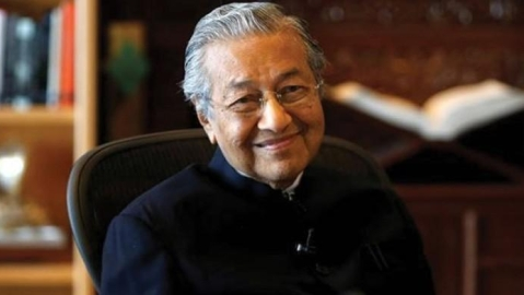 'Young' Malaysia elects the world's oldest leader