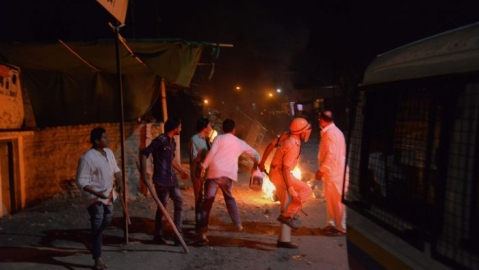 What we learnt this week: Communal violence in Vadodara &  baguettes and bathroom breaks