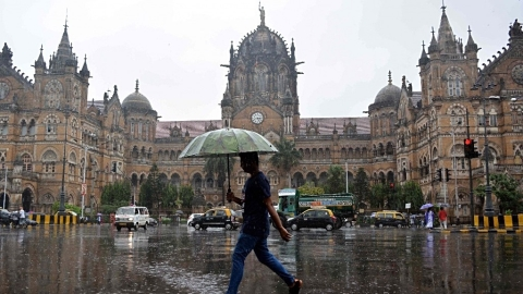 5 killed as rains clobber Mumbai, Thane, Palghar, Raigad in Maharashtra