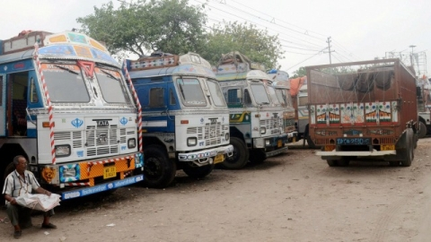 Indefinite  truck strike begins to protest rising fuel prices