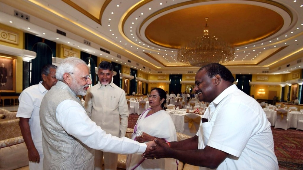 Prime Minister Narendra Modi with Karnataka Chief Minister HD Kumaraswamy at the Niti Aayog meeting on Sunday