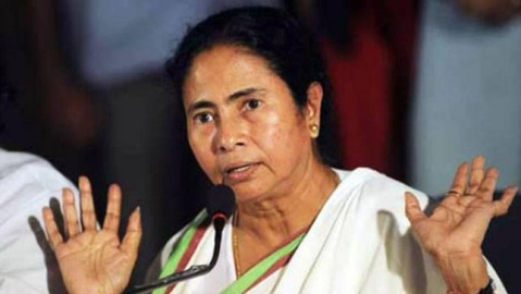 They cannot build a pandal, how can they build the country? : Mamata Banerjee