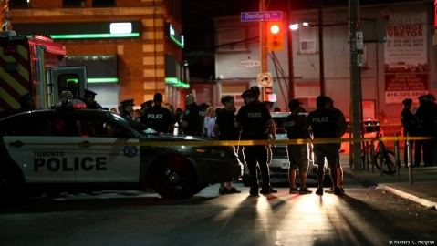 14 injured, gunman reported dead in shooting in Toronto, Canada