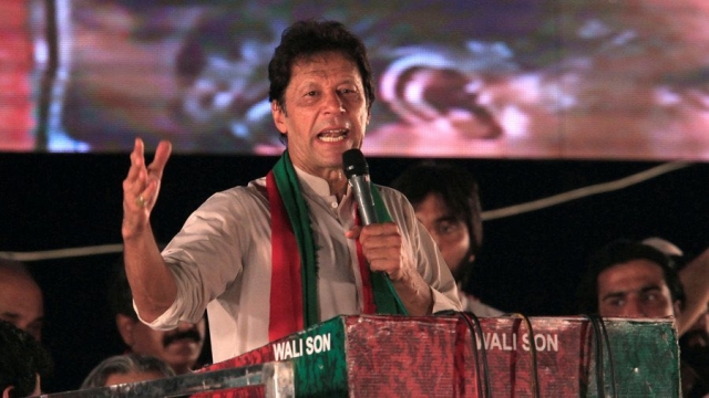 Pakistan Tehreek-e-Insaf leader Imran Khan (file photo)