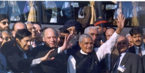 (From left to right) Bollywood star Dev Anand, former prime minister of Pakistan Nawaz Sharif and the then prime minister of India Atal Bihari Vajpayee during his Lahore trip by bus in 1999