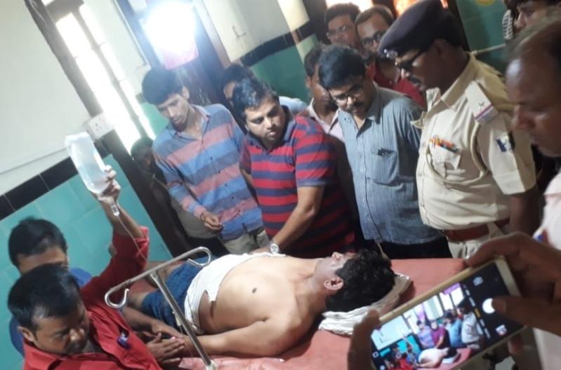 The grievously injured Assistant Professor Sanjay Kumar of Motihari Central University