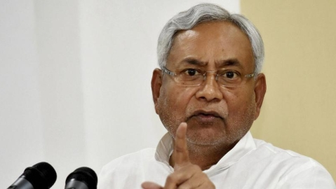 Jamia teachers slam Nitish for his silence over mob attack on professor