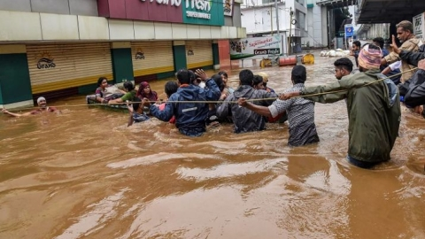 Floods: Kerala rises to the challenge, as does the rest of India