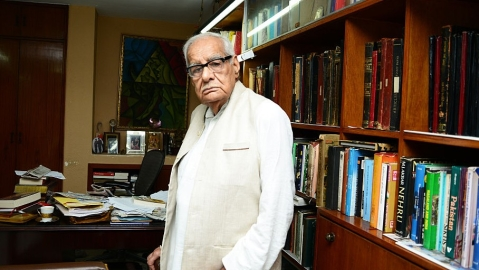 Kuldip Nayar: Jinnah didn't flaunt his principles, Gandhi and Bhagat Singh will remain relevant
