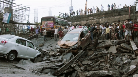 Kolkata bridge collapse: One dead, 25 injured; rail, road traffic disrupted