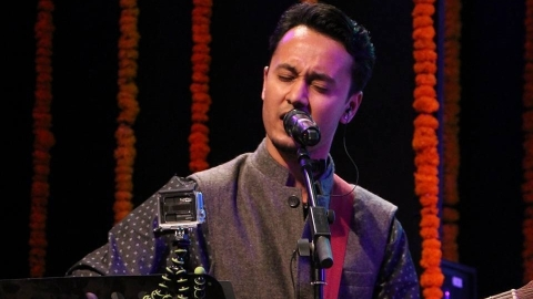 Upcoming singer Sourabh Joshi finds Hindi music industry welcoming