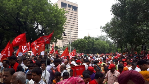 Farmers, labourers rally against Modi govt; demand pro-farmer policies