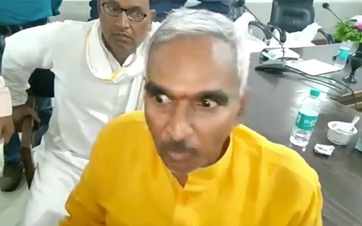 Uttar Pradesh BJP MLA beats school inspector as BJP MP