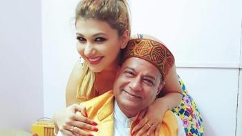 Ghazal/bhajan singer Anup Jalota with Jasleen Matharu