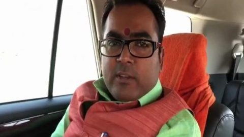 Uttar Pradesh: Under Yogi raj, BJP MLA thrashes mining officer, demands bribe