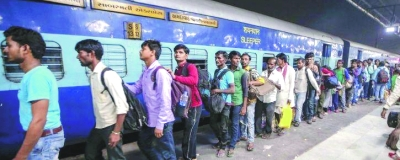 Migrant workers leave Gujarat in panic