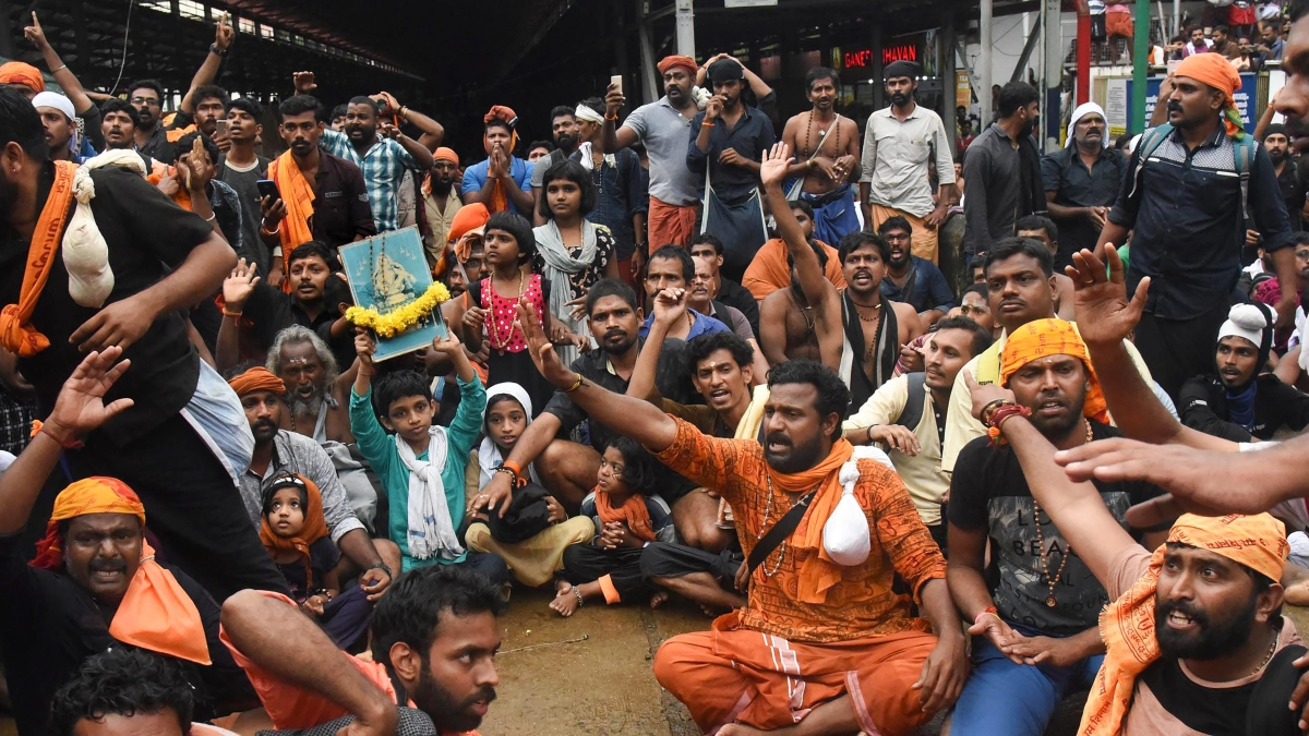 Protests return to Sabarimala Temple, two women under 50 forced to return