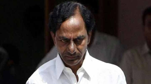 Telangana: KCR loses control, snubs a man over Muslim reservation query