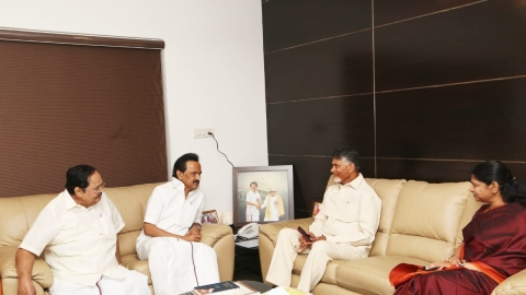 Naidu meets Stalin, wants opposition parties to set aside differences