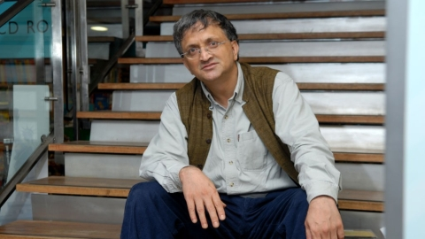 Guha won't teach at Ahmedabad Varsity after ABVP protests his appointment