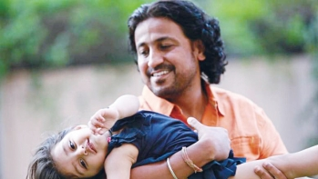 The director of the film Pihu Vinod Kapri with the little protagonist of the film