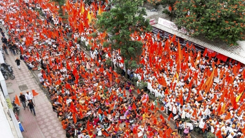 Lawyer opposing Maratha Reservation Bill attacked outside Bombay HC