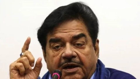 Shatrughan Sinha mocks PM Modi, Amit Shah, calls Modi govt 'one-man show', 'two-men army'
