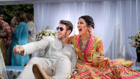 Priyanka Chopra, Nick Jonas get married in Jodhpur, photos show gleaming couple during mehndi