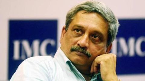 Goa govt  says mere diagnosis of cancer not enough to ask Parrikar to resign, cites Steve Jobs