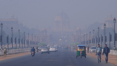 With smog covering Delhi, air quality turns 'severe' as city gripped by cold wave