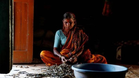 "Oxfam: Inequality has a ""female face"" in India, unpaid work done by women worth 3.1%  of total GDP"
