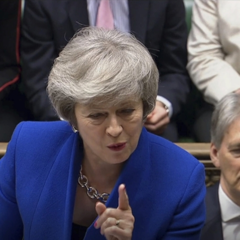 UK govt survives no-confidence vote by tiny margin