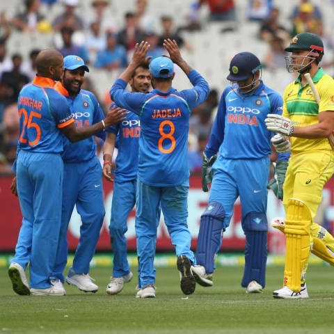 Chahal grabs six as India bowls Australia out for 230 in final ODI