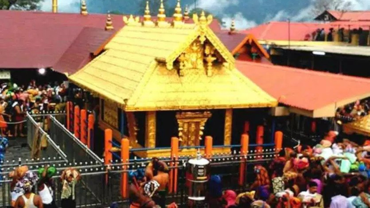 Sabarimala:  Kerala CM  backs women who entered  temple, Twitter flooded with mixed reactions