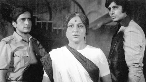 Nirupa Roy: The ideal mother and 'goddess' of Hindi films; Javed Akhtar pays tribute