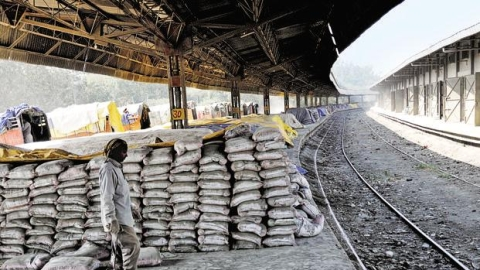 Cement menacing lives of construction labourers in India, says AIIMS study