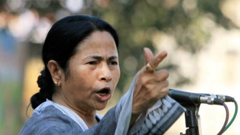 Mamata dares PM Modi to prove that she took money for paintings Birbhum