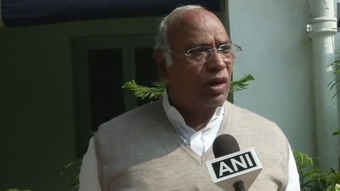 CBI chief: Mallikarjun Kharge vs the PMO, who is telling the truth?