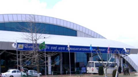 Srinagar, Jammu, Leh airports closed for air traffic, Pakistan too stops flights from Lahore, 4 other airports