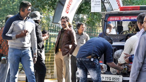 Nawazuddin Siddiqui's fan pulls out a scary stunt on him, gets nabbed by police