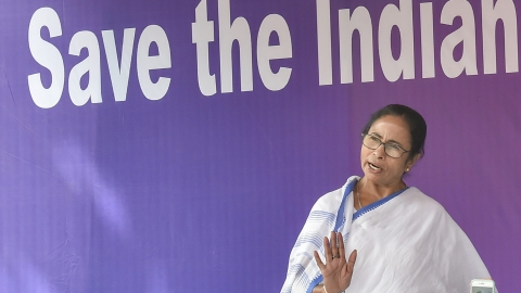 Mamata vs CBI: Support pours in from opposition leaders for WB CM Mamata Banerjee's dharna