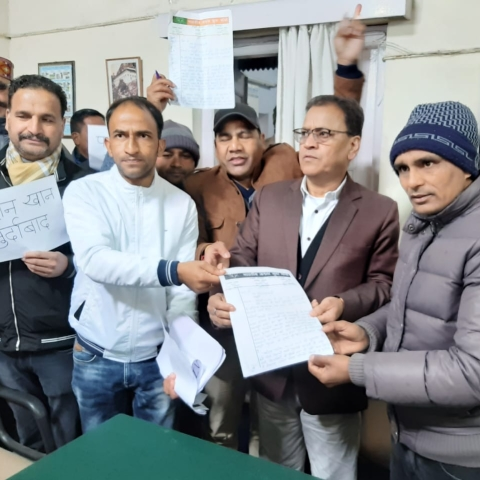 Uttarakhand: BJP youth wing tirade against Kashmiri traders at Mussoorie