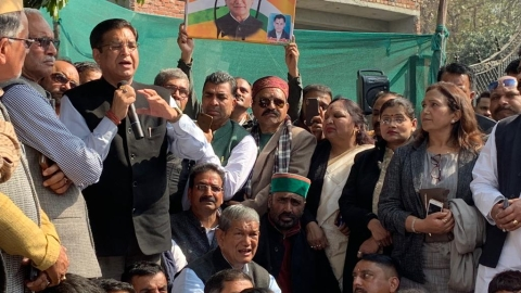 Uttarakhand: Congress legislators stage dharna in front of state assembly to support farmers' demands