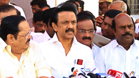 Tamil Nadu: Congress seals poll pact with DMK, Pondicherry; gets 10 LS seats