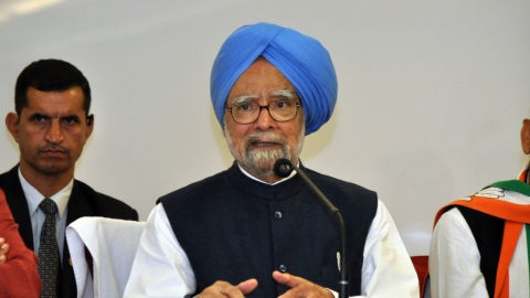 Former PM Manmohan Singh paints a grim picture for Indian economy; jobless growth turning into job-loss growth