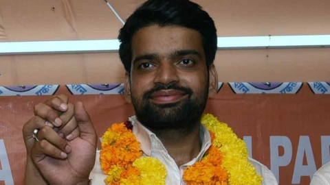 DUSU president from ABVP submitted fake documents to gain admission, claims NSUI