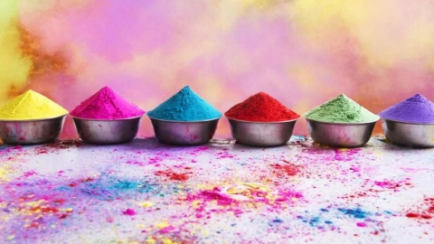 Choose colours wisely - go organic this Holi!