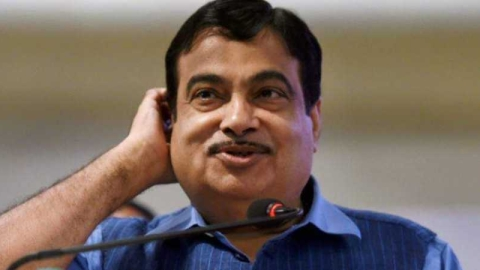 India could stop importing urea if urine of entire population is stored, Gadkari tells youngsters